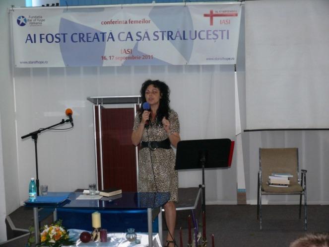 06-Ligia_Seman-women_conf_2001