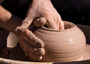 Clay_Demo_Hands-1-800x571